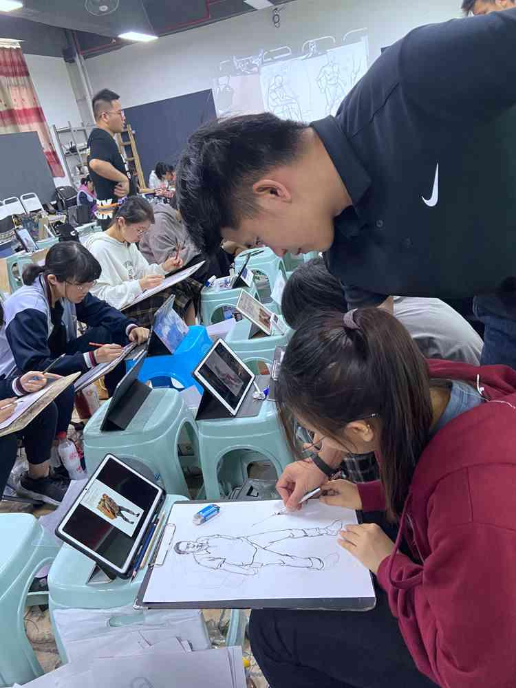 经过广州美术高考班围墙魔鬼特训后的你们!联考一定必胜,04