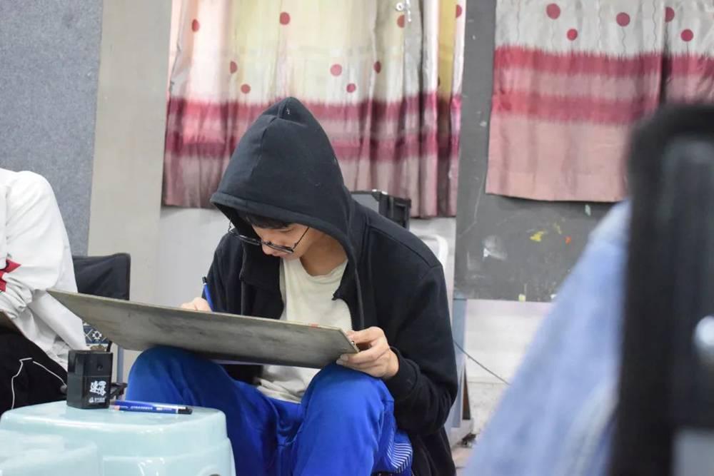21届广州围墙画室【魔鬼特训】—16小时挑战一切不可能,14