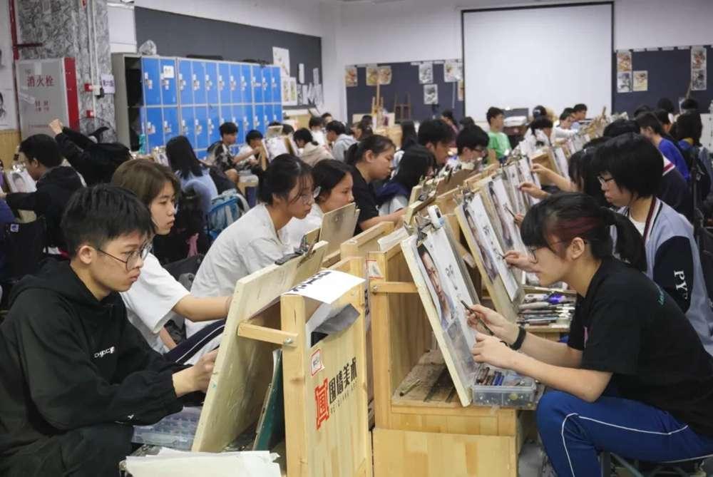 广州美术高考班直击二模——你走的每一步都算数!
