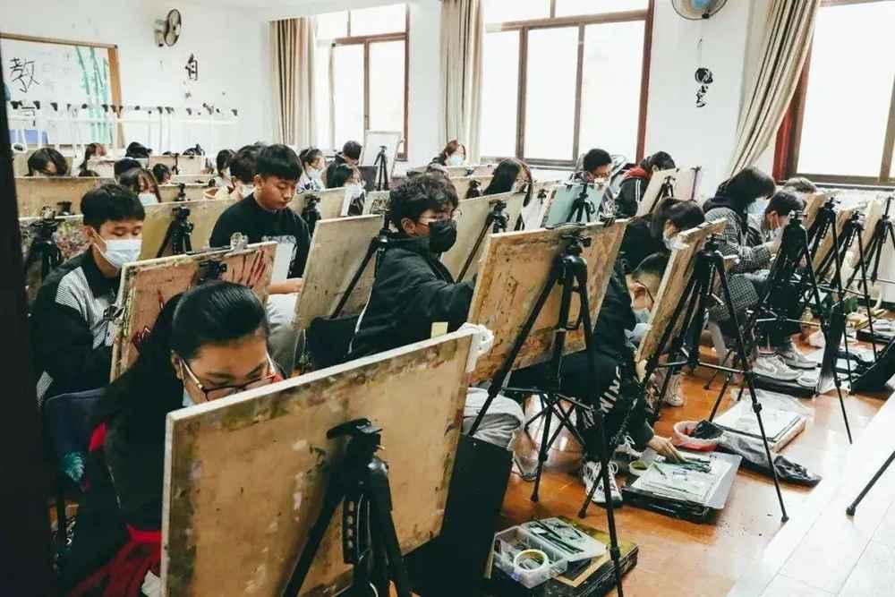 21年美术统考考多少才能通过?广州美术高考班建议美术生要重视!