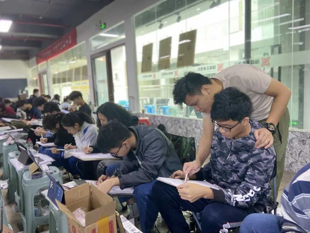 21届广州围墙画室【魔鬼特训】—16小时挑战一切不可能,23