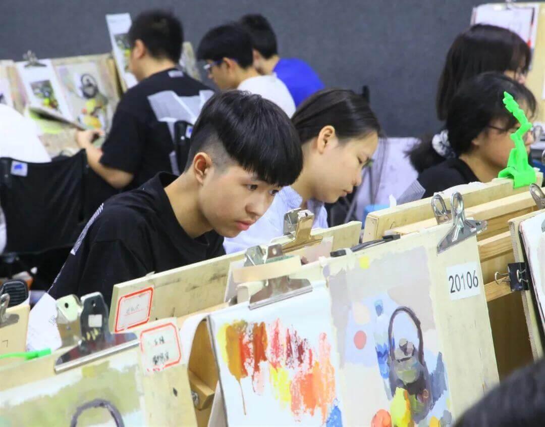 国庆0元特训6天限时钜惠,这个国庆跟挂壁你广州十大画室围墙一同进步!