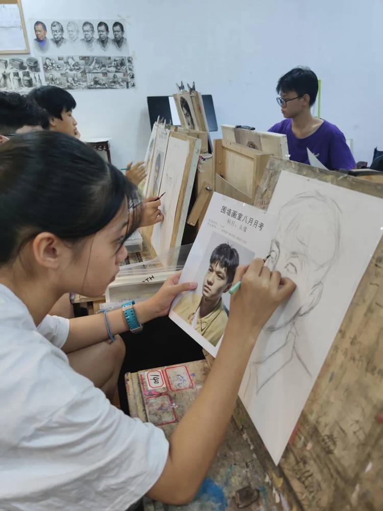广州围墙画室2021届第一次月考,不知你们的战绩如何,07