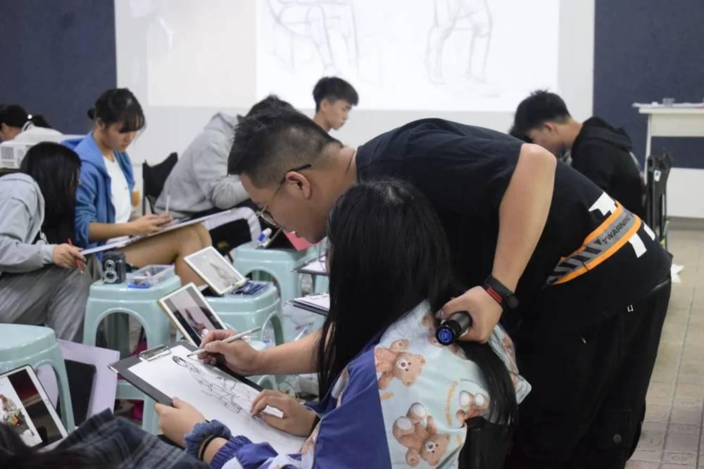21届广州围墙画室【魔鬼特训】—16小时挑战一切不可能,24
