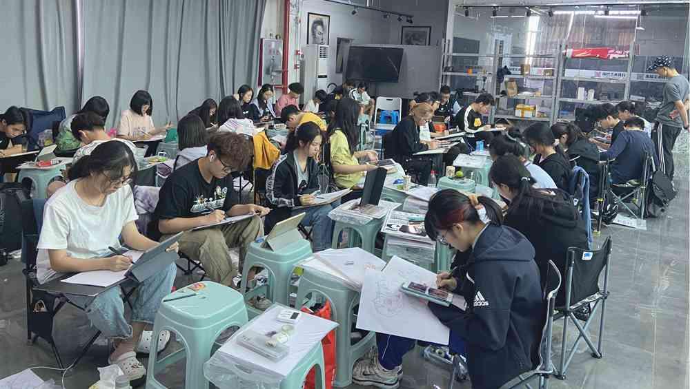 经过广州美术高考班围墙魔鬼特训后的你们!联考一定必胜,16