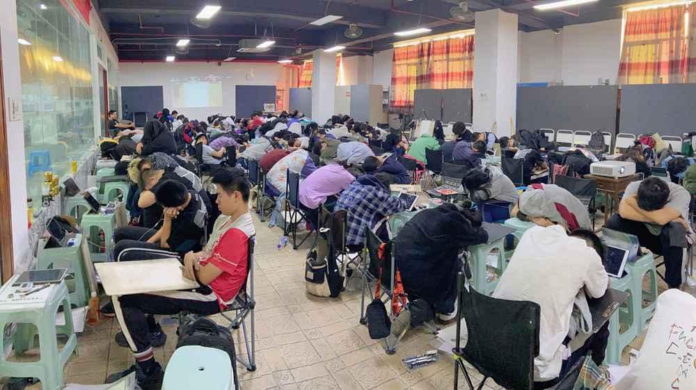 经过广州美术高考班围墙魔鬼特训后的你们!联考一定必胜,31