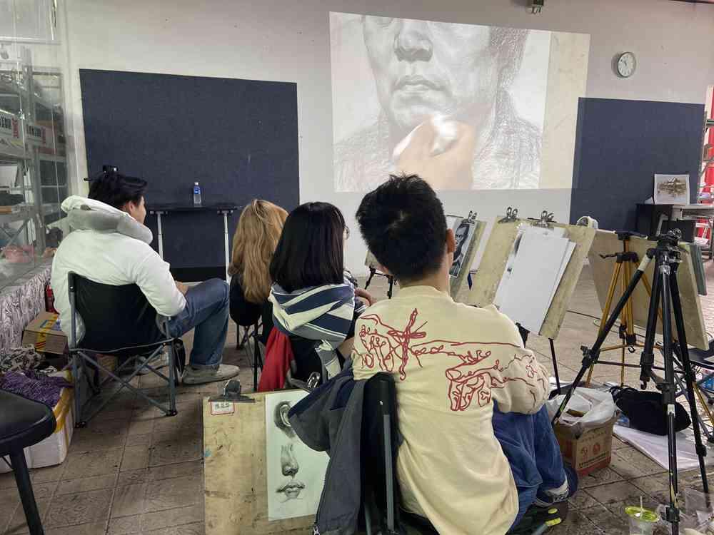 经过广州美术高考班围墙魔鬼特训后的你们!联考一定必胜,21